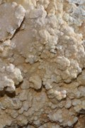 kalkstein-gespalten-jogerst